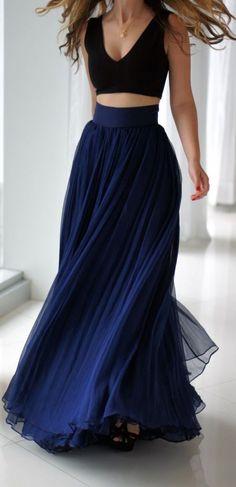 #street #style crop top + navy chiffon skirt @wachabuy