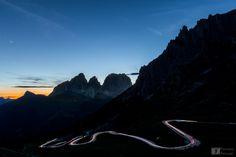 #Tramonto sul gruppo del #Sassolungo ed il #Passo Sella ripreso dal Passo #Pordoi #Dolomiti