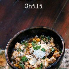 Giada's White Bean Chicken Chili - Cooking On The Ranch White Bean Chicken Chili, White Bean Chili, No Bean Chili, White Beans, Chili Recipes, Soup Recipes, Chicken Recipes, Frugal Recipes, The Ranch