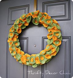 Cute DIY Halloween Wreathe with Felt!