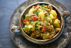 One-pot Curried Ground Turkey—ground turkey sautéed with onions and garlic, then simmered with Indian seasonings, potatoes, tomatoes, and peas. Healthy Ground Turkey, Ground Turkey Recipes, Simply Recipes, Great Recipes, Favorite Recipes, Recipe Ideas, Potato Recipes, Chicken Recipes, Turkey Curry