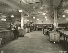 Post office at 226 East 106th Street post office, 1933. (Courtesy of the NYPL)