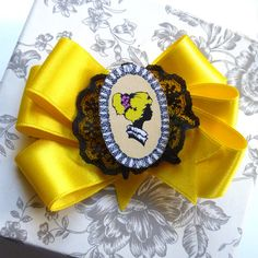 Yellow Cameo Pin Up Hair Clip pin up silhouette by missrockabilly, $19.00
