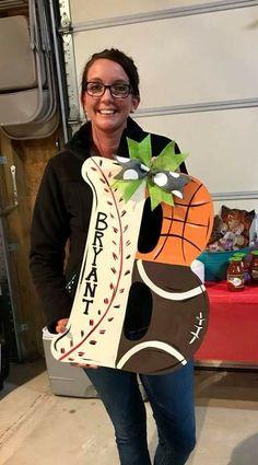 Cute gift ideas Letter Door Hangers, Burlap Door Hangers, Woodworking Projects Plans, Teds Woodworking, Wooden Doors, Wooden Signs, Arte Country, Sport Craft, 3d Laser