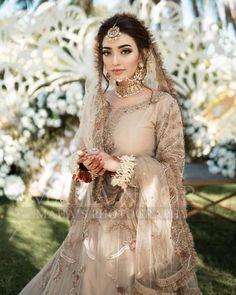 Asian Bridal Dresses, Pakistani Wedding Outfits, Pakistani Wedding Dresses, Pakistani Dress Design, Bridal Outfits, Pakistani Bridal Hairstyles, Pakistani Bridal Makeup, Indian Bridal Fashion, Bridal Lehenga