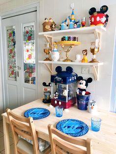 Disney Themed Rooms, Disney Bedrooms, Cocina Mickey Mouse, Casa Disney, Home Themes, Disney Home Decor, Bungalow House Design, Dream Rooms, Disney Style