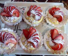 Receita Tarteletes de creme de citrinos com amêndoas torradas e morangos por Mónica Pacheco - Categoria da receita Bolos e Biscoitos