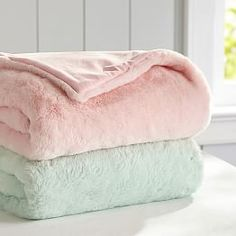 Shop fuzzy blankets from Pottery Barn Teen. Our teen furniture, decor and accessories collections feature fun and stylish fuzzy blankets. Create a unique and cool teen or dorm room. Teen Blankets, Fluffy Blankets, Throw Blankets, Fur Blanket, Fleece Blankets, Pastel Bedroom, Pastel Room Decor, Bedroom Colours, Teen Furniture