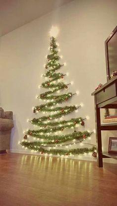 Adorable 40 Apartment Decorating Christmas Lights https://livingmarch.com/40-apartment-decorating-christmas-lights/