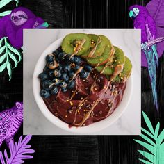 Check out this Berry Bliss Breakfast Açaí Bowl recipe from from our very first featured blogger, @kaleandkravings! Her recipe is thick, creamy, and packed with delicious immune boosting ingredients 💜 Frozen Banana, Superfood Powder, I Love Chocolate, Acai Berry, Frozen Strawberries, Smoothie Bowl, Fresh Fruit, Acai Bowl