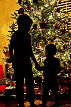 little brothers first Christmas. Landyn will be the perfect size this year. little brothers Sibling Christmas Pictures, Xmas Photos, Family Christmas Pictures, Holiday Pictures, Christmas Photo Cards, Christmas Pics, Xmas Pics, Babies First Christmas, Christmas Baby