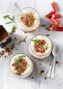 Perfect voor Pasen: heerlijke citroen syllabub met Original Spices Chinese 5 Spices rabarber.