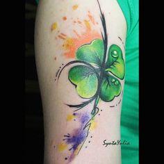 #clover #clovertattoo #lucky#tattoo#tattoos #tattooist#tattooart #tattooworkers #watercolourtattoos #watercolourtattoo #colortattoo#femaletattooartist #ladyartists #ink Lucky Tattoo, P Tattoo, Knee Tattoo, Cover Tattoo, Celtic Clover Tattoos, Four Leaf Clover Tattoo, Celtic Tattoos, Mabon, Samhain
