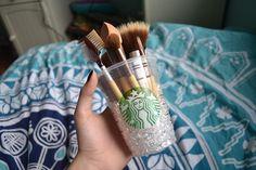 makeup brushes. ♡