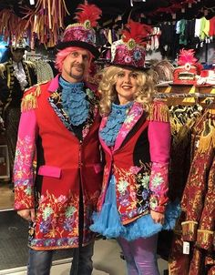 April damesjas Matching Costumes, Matching Outfits, Hoodie Sweatshirts, Twin Outfits, Girl Outfits, Mad Hatter Costumes, Burning Man Outfits, Cheap Hoodies, Carnival Costumes