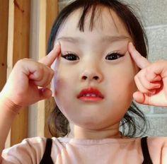 Cute Asian Babies, Korean Babies, Asian Kids, Cute Babies, Cute Little Baby Girl, Cute Baby Girl Pictures, Little Babies, Baby Kids, Cute Chinese Baby