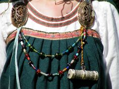 pleated apron dress is not what people usually do, but there is evidence from Birka graves of pleated clothing