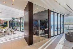Magnificent Modern Miami Mansion With Ocean Panorama Infinity Pools, Bel Air Mansion, Modern Miami, Futuristisches Design, Miami Houses, Villa, Beach House Decor, Home Decor, Miami Beach