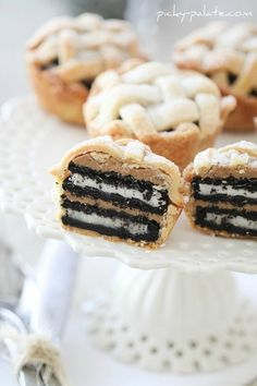 Oreo and Peanut Butter Layered Baby Lattice Pies - Picky Palate