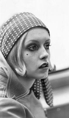 New fashion twiggy models 34 Ideas 60s And 70s Fashion, Retro Fashion, Trendy Fashion, Fashion Models, Vintage Fashion, Fashion Trends, Mod Girl, Patti Hansen, Lauren Hutton