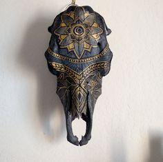 Gold Mandala Cow Skull by folkyea on Etsy Deer Skull Art, Cow Skull Decor, Painted Animal Skulls, Crane, Buffalo Skull, Bone Crafts, Gado, Antler Art, Skull Painting