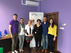 Dnes sa konal u nás na klinike významný workshop pre vybraných lekárov zo Slovenska pod vedením známej Dr.Sabine Bellaiche z Paríža. V rámci školenia sme urobili nové pery víťazke našej súťaže, ktorá po zákroku spokojne odchádza domov. :-) Ďakujeme firme Planmed, ktorá poskytla výrobky značky Stylage. Sledujte nás aj ďalej, až do konca roka zaujímavé zľavy a súťaže o hodnotné ceny :-)