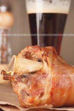 Poznaj sekret przepysznych przepisów na potrawy z wieprzowiny tylko na pychotka.pl Golonka mojego taty. Potrzebujesz: golonki, dymki, imbiru.