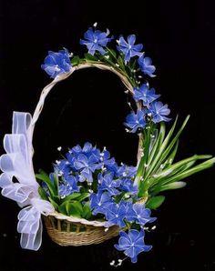 Nylon Flowers, Felt Flowers, Diy Flowers, Flower Decorations, Fabric Flowers, Paper Flowers, Nylon Crafts, Felt Flower Tutorial, Creative Flower Arrangements