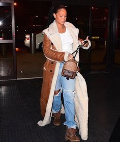 SINCERE STYLE FILES: RIHANNA IN CHLOÉ REVERSIBLE SHEARLING COAT | #Rihanna #RihannaNavy #SincerelyDesirae