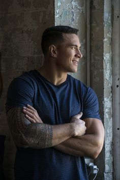 See which one is for you. Sonny Bill Williams, Hot Rugby Players, Polynesian Men, All Blacks Rugby, Australian Football, Rugby Men, Back And Biceps, Samoan Tattoo, Athletic Men
