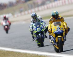Biaggi under pressure from Gibernau.