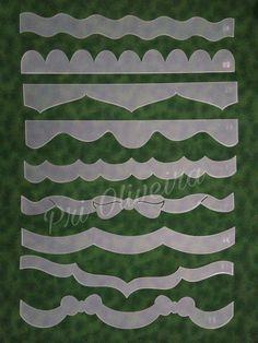 Kit com 9 réguas estreitas medindo 45 cm e altura em média de 6 cm usadas para barrinhas de fraldinhas, panos de copa , toalhas de rosto e banho. Usadas com outras réguas o trabalho fica ainda mais lindo. Tbm disponivel em Mdf , caso queira , deixe msg dentro do pedido. Pinwheel Quilt Pattern, Quilt Patterns, Boarder Designs, I Fall To Pieces, Kiwi Lane Designs, Diy And Crafts, Paper Crafts, Decorated Wine Glasses, Quilt Border