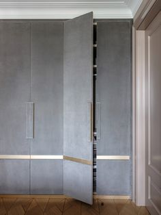 Wardrobe Laminate Design, Wall Wardrobe Design, Sliding Door Wardrobe Designs, Bedroom Wardrobe, Closet Designs, Bedroom False Ceiling Design, Bedroom Closet Design, Bedroom Furniture Design, Home Room Design