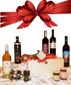 €65,57 http://www.oilwineitaly.com Doni della Natura. Scatola in legno Doni della Natura un regalo eno-gastronomica di elevatissimo livello, contenente esclusivamente i migliori prodotti tipici artigianali della tradizione italiana, che stupirà tutti.