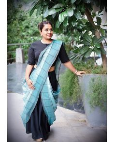 This fusion drape is the most trending style that all youngsters would want to wear. so will be posting a tutorial soon . Saree Wearing Styles, Saree Styles, Half Saree Designs, Saree Blouse Designs, Traditional Sarees, Traditional Outfits, Indian Dresses, Indian Outfits, Drape Sarees