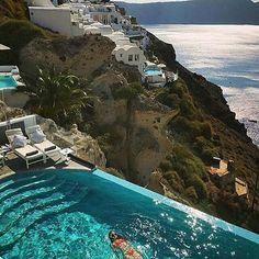 Looking the best honeymoon destinations in the world for honeymooning is called Santorini in Greece. Santorini honeymoons all inclusive packages in Greece Places To Travel, Places To See, Travel Destinations, Holiday Destinations, Beautiful Villas, Beautiful Places, Wonderful Places, Beautiful Pools, Dream Vacations