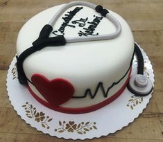 Send Cake to Chennai within 3 hrs from Winni at an amazing price. Order Cakes to your loved ones for all occasions and gets same day online cake delivery in Chennai. Nursing Graduation Cakes, Graduation Party Desserts, Doctor Cake, Doctor Birthday Cake, Cheer Cakes, Medical Cake, Online Cake Delivery, Fantasy Cake, Retirement Cakes