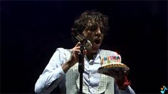 ANIMATED GIF - Mika blowing out his birthday cake candles - Avenches - August 17 2013