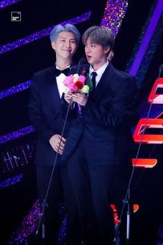 Namjoon be lookin at Jin with those honey filled eyes 😔💞💞💖💖💖💕💖💕😔💖💖💖💖 Namjin, Foto Bts, Bts Jin, Bts Bangtan Boy, Jikook, K Pop, Seokjin, Best Friend Couples, Mma 2019