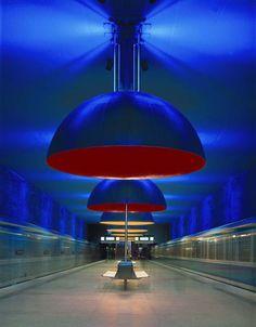 """Mostra """"Lightopia"""", no Vitra Design Museum, revisita toda a história da luz elétrica e sua influência na história mundial e na vida cotidiana."""