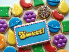 I resisted the Candy Crush craze up until about a month ago. It's a good thing this game comes with restrictions on how long you can play at once, or else these Candy Crush cookies might never have been made.For products used in this and other tutori
