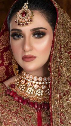 Pakistani Bridal Hairstyles, Pakistani Bridal Jewelry, Bengali Bridal Makeup, Pakistani Wedding Outfits, Bridal Outfits, Dulhan Makeup, Mehndi Hairstyles, Bridal Dresses, Bridal Makeup Images