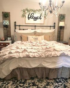 31 simply farmhouse master bedroom design ideas 22 ⋆ All About Home Decor Farmhouse Master Bedroom, Master Bedroom Design, Cozy Bedroom, Home Decor Bedroom, Modern Bedroom, Bedroom Ideas, Bedroom Furniture, Cheap Furniture, Bedroom Inspiration