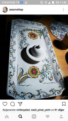 Cake Tray, Turkish Art, Almond Cakes, Hand Painted Ceramics, Embossing Folder, Arabesque, Diy And Crafts, Pottery, Sculpture