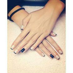 Beż i czerń od paulatko - nageldesign schwarz Minimalist Nails, Minimalist Chic, Minimalist Design, Diy Nails, Cute Nails, Nail Art Designs, Nagel Gel, Black Nails, Black Manicure