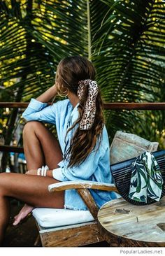 Pin by happygolicky jewelry on the best boho jewelry, bohemi Chic Hairstyles, Scarf Hairstyles, Elegant Hairstyles, Womens Fashion Online, Latest Fashion For Women, Easy Style, Trendy Swimwear, Twist Headband, Hair Accessories For Women