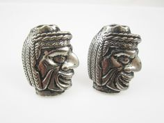 Check out this item in my Etsy shop https://www.etsy.com/listing/224821038/vintage-cufflinks-indian-cuff-links