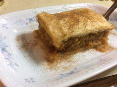 Κολοκυθόπιτα (1 μονάδα τα 3 κομμάτια) Apple Pie, Lasagna, Ethnic Recipes, Desserts, Food, Apple Cobbler, Lasagne, Deserts, Apple Pies