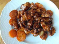 Kuřecí maso po vietnamsku se zázvorem a restovanou mrkví Meat Recipes, Chicken Recipes, Recipies, Cooking Recipes, Chicken Wings, Poultry, Almond, Food And Drink, Meals