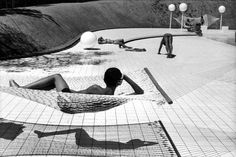 Swimming pool by elliott erwitt
